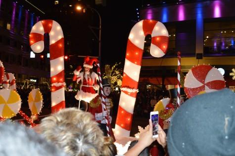 Snowflake Lane Draws Festive Crowds to Bellevue