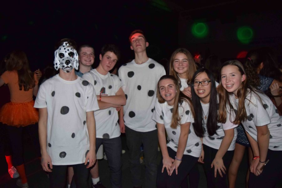 Freshmen dress up as dalmatians from the Disney movie