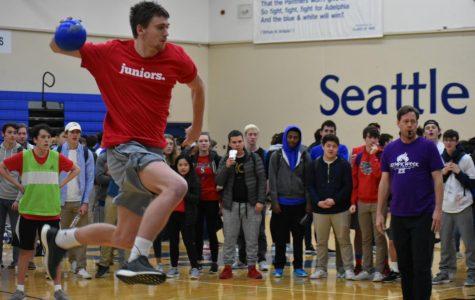 Seniors Fall in Handball